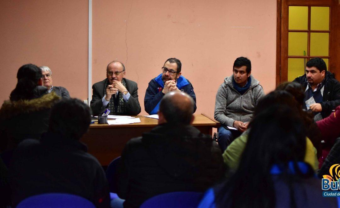 Mesa de trabajo intersectorial analiza problemas sanitarios en Bulnes