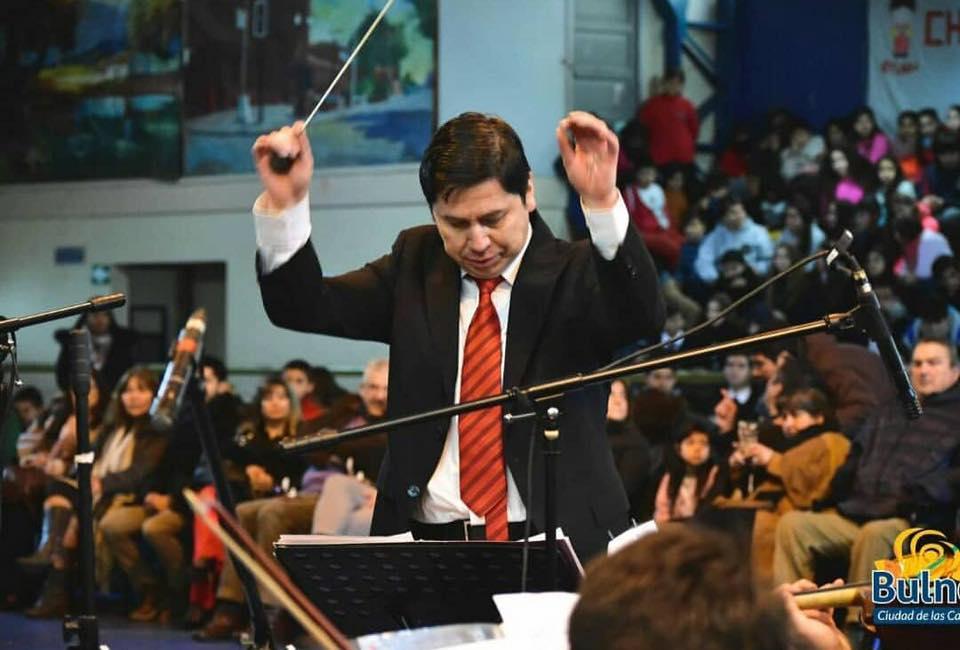 Profesor de Bulnes nominado a Premio Nacional e Internacional de Educación