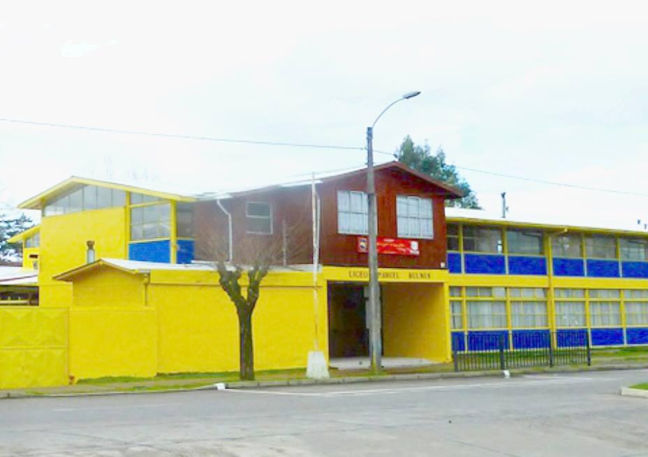 Municipio quiere convertir a liceo Manuel Bulnes en Bicentenario