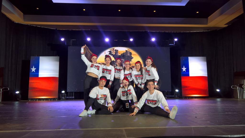 Grupo de Danza de la Región de Ñuble tiene gran participación en Orlando Estados Unidos