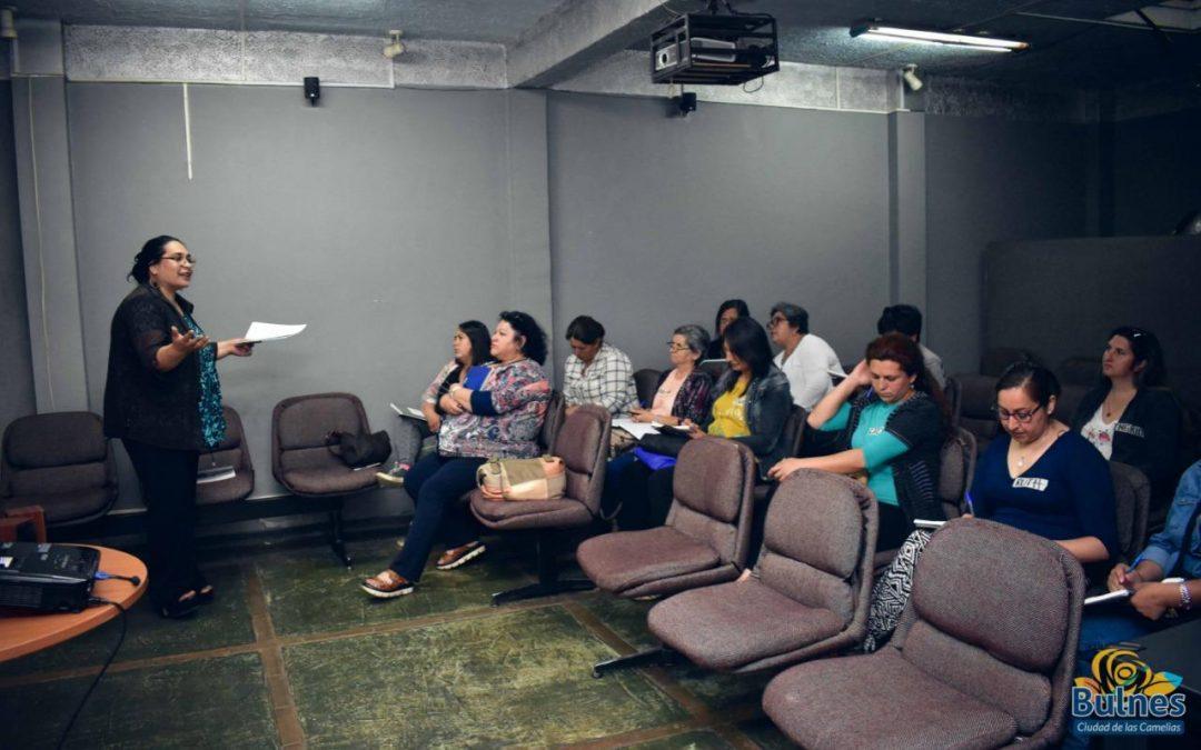 Municipio dicta curso destinado a mujeres emprendedoras de Bulnes