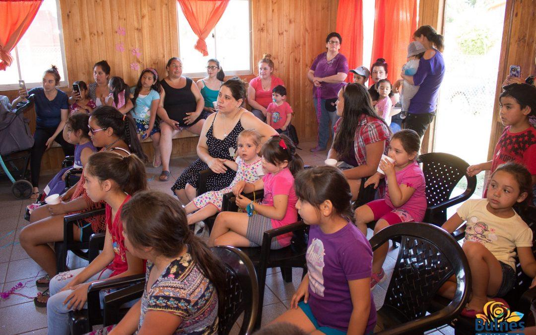 Alcalde y funcionarios municipales llevan el espíritu navideño a sectores de Bulnes