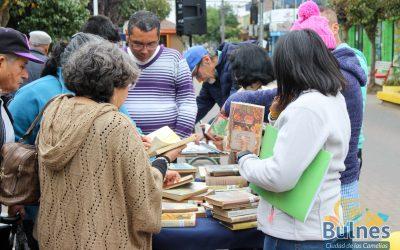 Celebración del Día Internacional del Libro en Paseo Peatonal Carlos Palacios