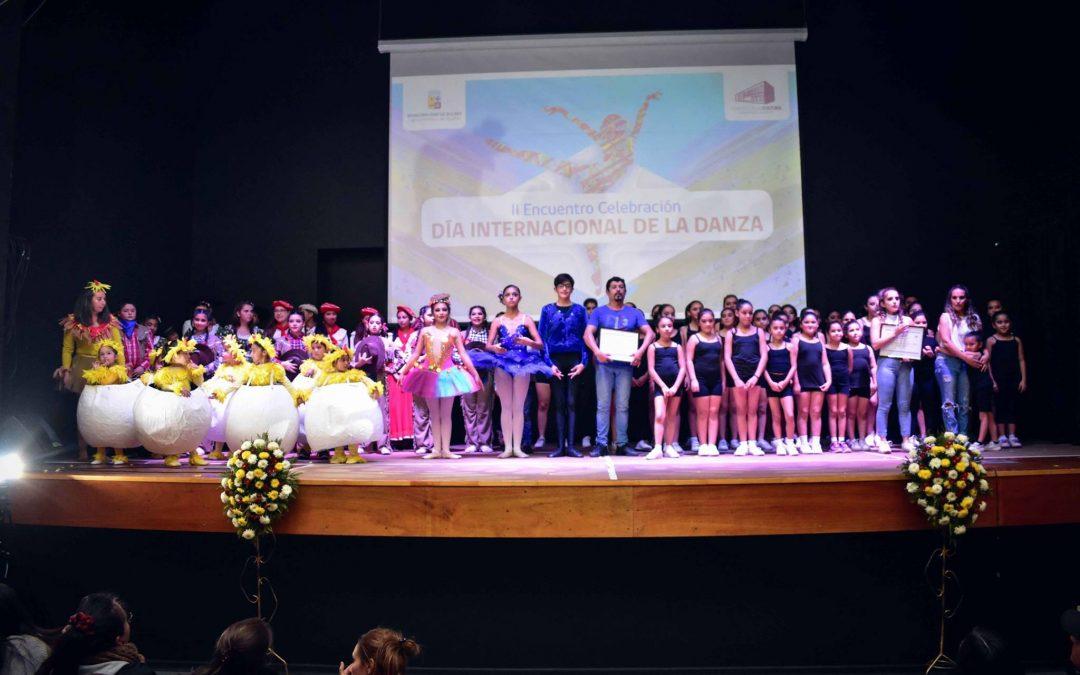 Con un Teatro repleto de aplausos se celebró el II Encuentro del Día Internacional de la Danza