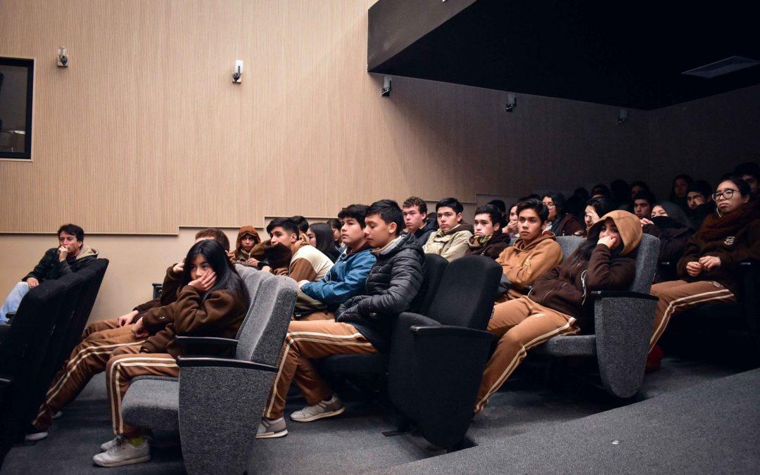 Con gran interés de los estudiantes de Bulnes finaliza el Programa Escuela al Cine de la Cineteca Nacional de Chile