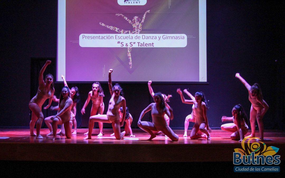 """Academia """"S & S Talent"""" brilla con su presentación de la Gala de Invierno en Bulnes"""