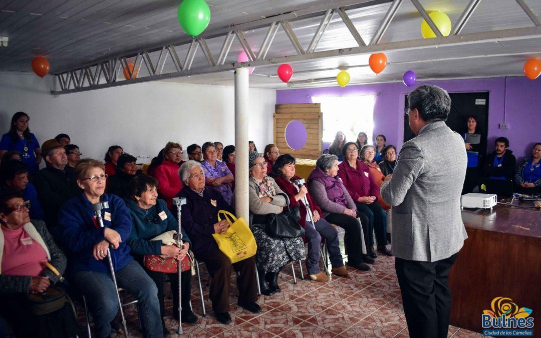 Municipio capacita a Adultos Mayores y busca solución a sus problemas
