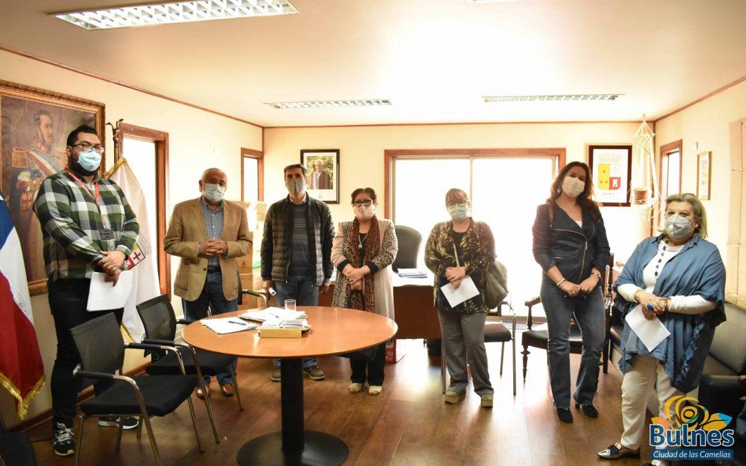 11 profesores de Bulnes reciben cheques del Bono SAE