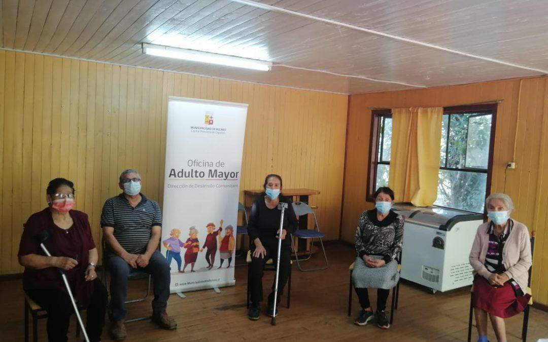 Abuelita de 101 años recibe atención de podóloga municipal