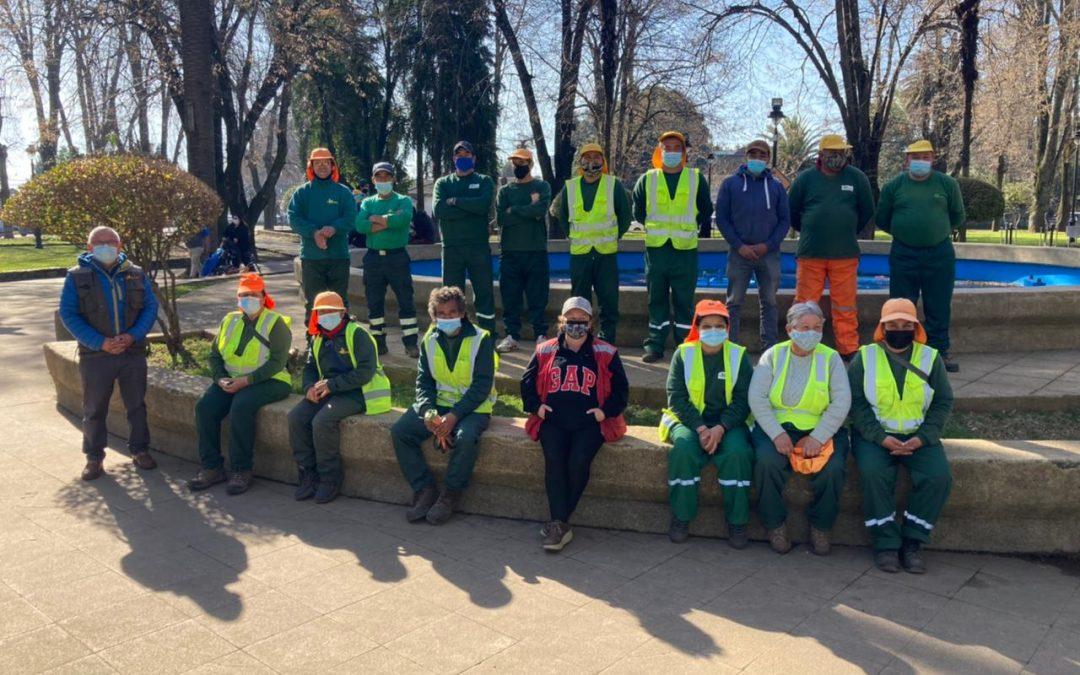 Alcalde saluda a los recolectores de basura de Bulnes en su día